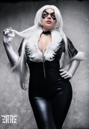 black-cat-cosplay-3