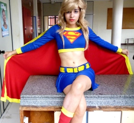 supergirl-cosplay-23