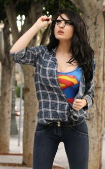 supergirl-cosplay-34