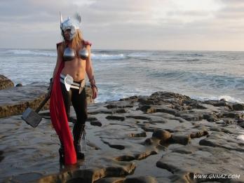 thors-goddess-of-thunder-cosplay-12