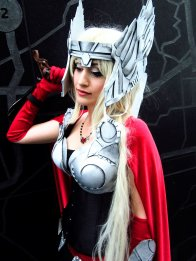 thors-goddess-of-thunder-cosplay-13