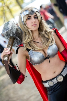 thors-goddess-of-thunder-cosplay-14