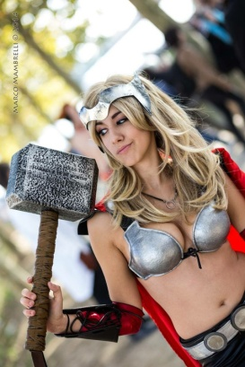 thors-goddess-of-thunder-cosplay-15