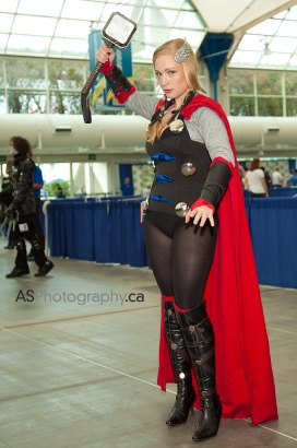 thors-goddess-of-thunder-cosplay-16