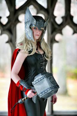 thors-goddess-of-thunder-cosplay-6