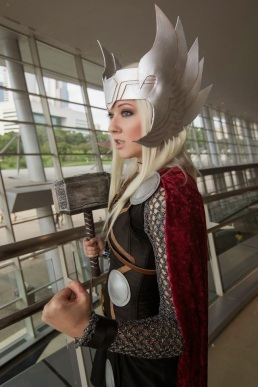 thors-goddess-of-thunder-cosplay-7