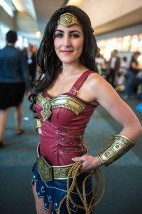 wonder-woman-cosplay-19