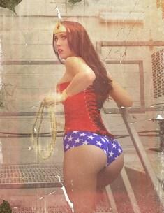 wonder-woman-cosplay-23
