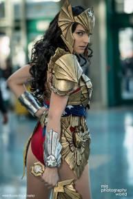 wonder-woman-cosplay-4