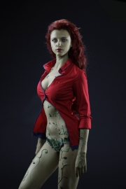 poison-ivy-cosplay-1