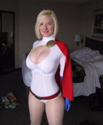 power-girl-cosplay-1