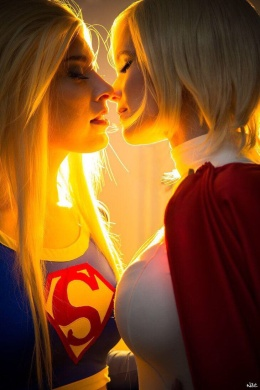 supergirl-cosplay-9