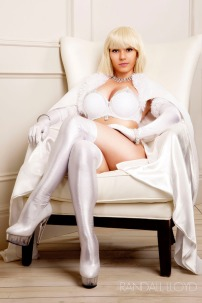Emma Frost Cosplay 38