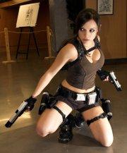 Lara Croft Cosplay 11
