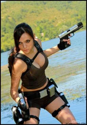 Lara Croft Cosplay 15