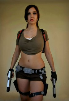 Lara Croft Cosplay 27