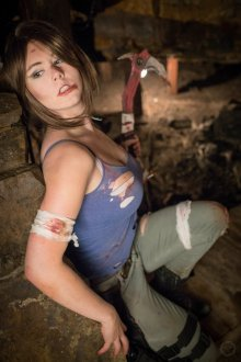 Lara Croft Cosplay 33