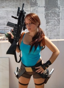 Lara Croft Cosplay 36