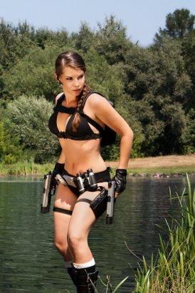 Lara Croft Cosplay 5