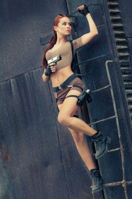 Lara Croft Cosplay 6