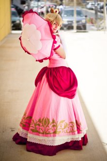 Princess Peach Cosplay 22