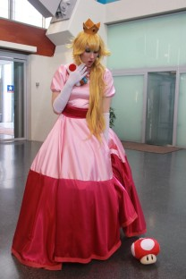 Princess Peach Cosplay 25