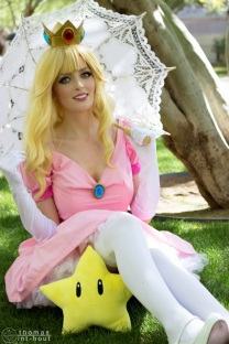 Princess Peach Cosplay 26