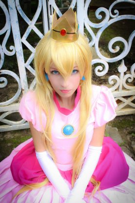Princess Peach Cosplay 36