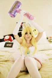 Princess Peach Cosplay 39