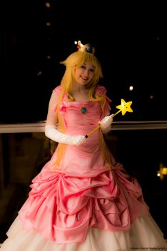 Princess Peach Cosplay 42