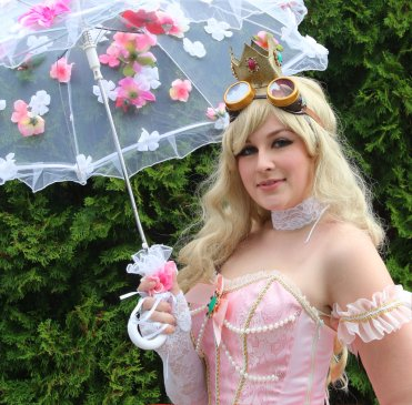 Princess Peach Cosplay 45