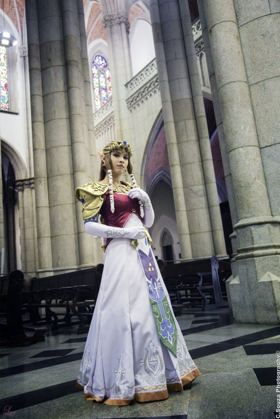 Princess Zelda Cosplay 16