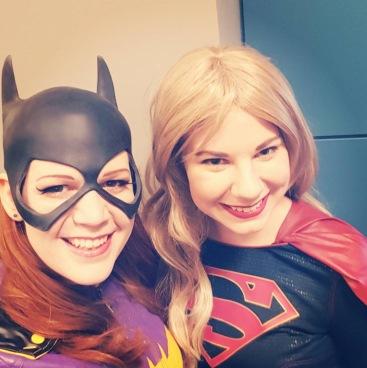 C2E2 2017 Cosplay - Batgirl | Supergirl