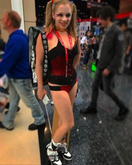 C2E2 2017 Cosplay - Harley Quinn 10