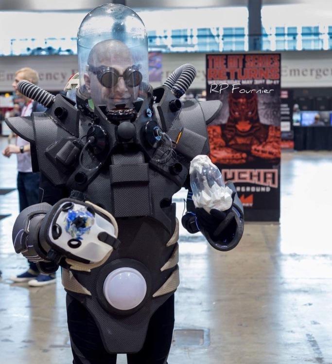 C2E2 2017 Cosplay - Mr. Freeze 2