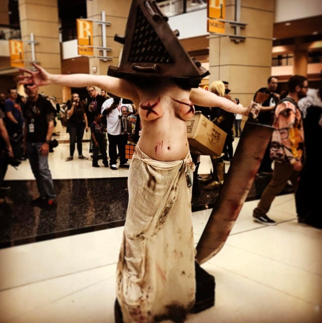 C2E2 2017 Cosplay - Pyramid Head 7