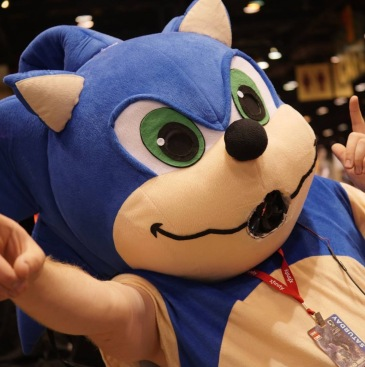 C2E2 2017 Cosplay - Sonic the Hedgehog