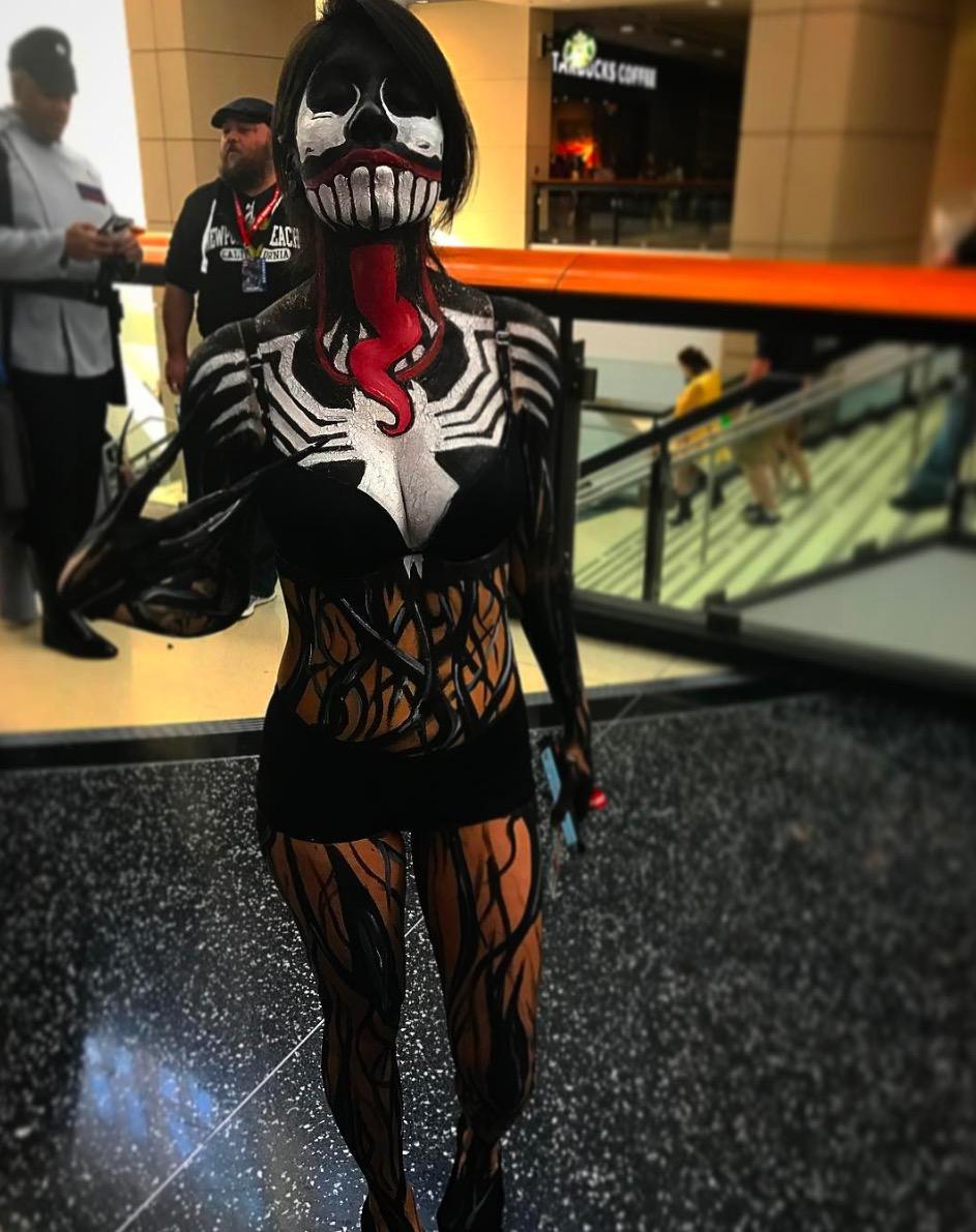 C2E2 2017 Cosplay - Venom.jpg