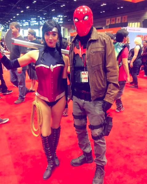C2E2 2017 Cosplay - Wonder Woman | Red Hood