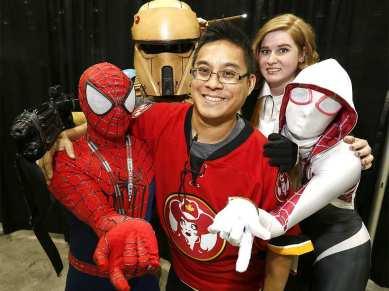 CalgaryExpo 2017 Cosplay - Spider-Man   Spider-Gwen 3