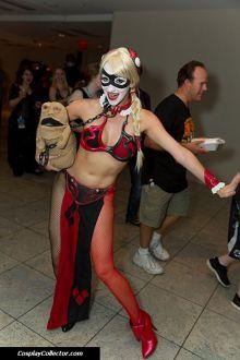 Harley Quinn Leia Cosplay 4