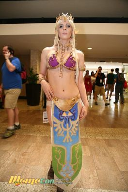 Princess Zelda Leia Cosplay 13