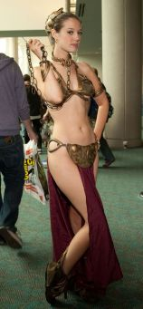 Slave Leia Cosplay 13