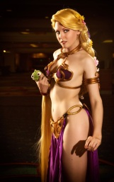 Slave Leia Cosplay 41
