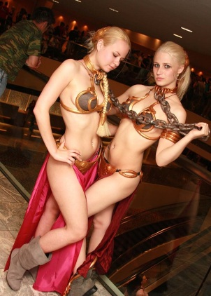 Slave Leia Cosplay 6