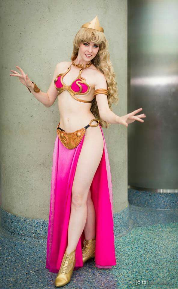 Sleeping Beauty Leia Cosplay 1