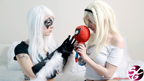 Spider-Gwen & Black Cat Cosplay 17