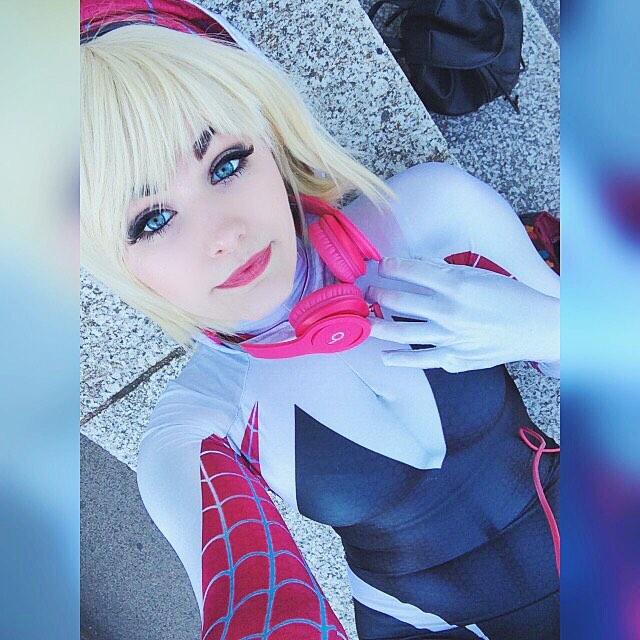 Spider-Gwen Cosplay 35