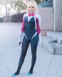 Spider-Gwen Cosplay 36