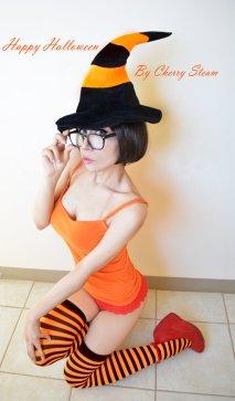 Velma Cosplay 15